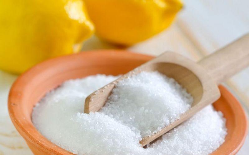 Kak_izbavitsya_ot_nakipi_v_chaynike_limonnoy_kislotoy_Как избавиться от накипи в чайнике с помощью лимонной кислоты