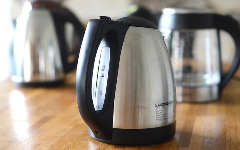 Как почистить электрический чайник от накипи