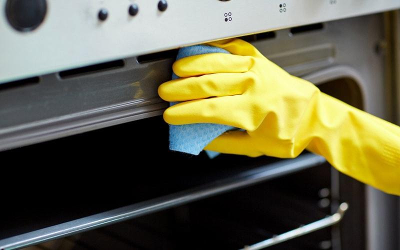 Как почистить духовки внутри от нагара и пригоревшего жира