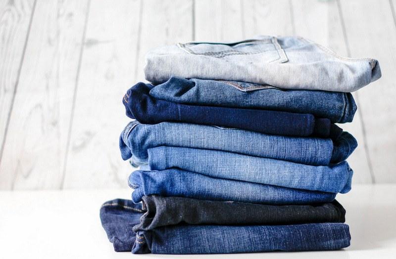 Как гладить джинсы после стирки