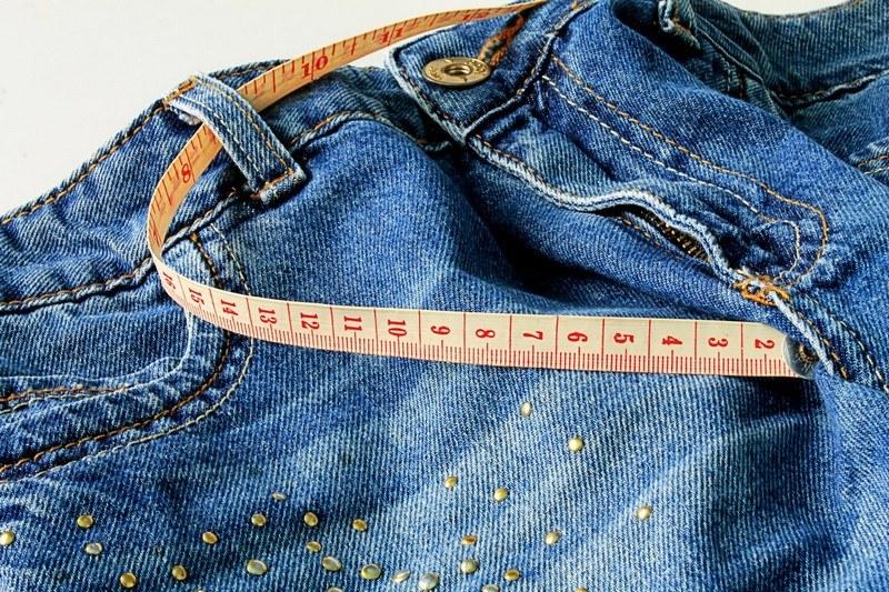 Как постирать джинсы чтобы они сели