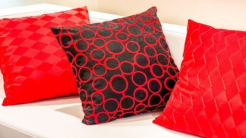 Как постирать подушки вручную