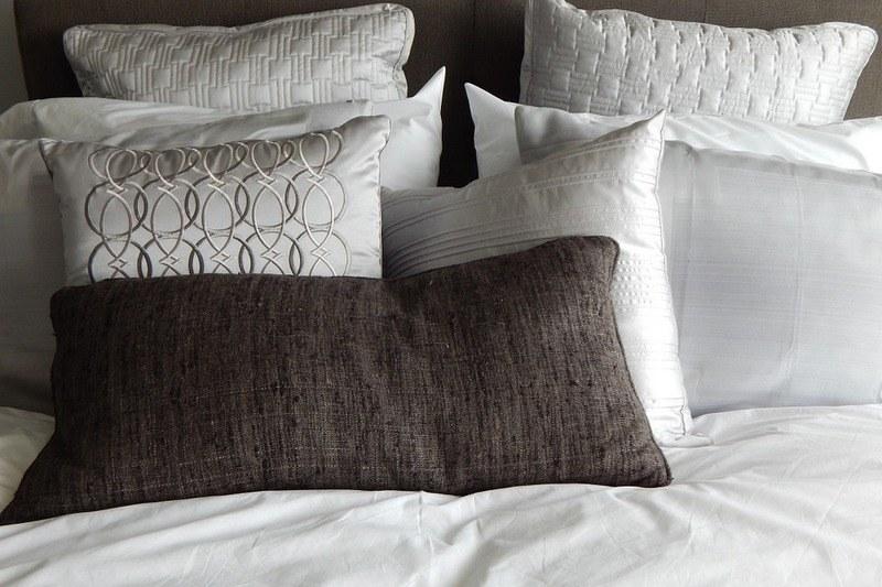 Стирка подушек в домашних условиях