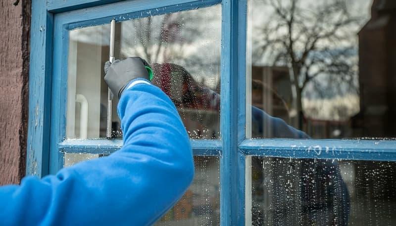 Как мыть окна без разводов
