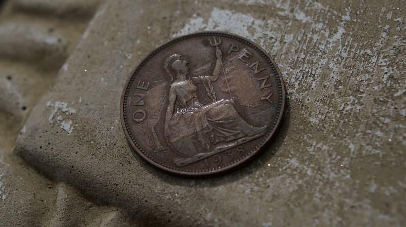 Как очистить старую монету