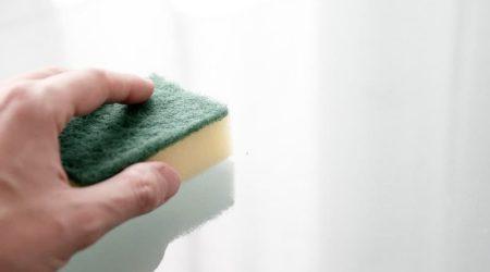Как отмыть клей от наклейки