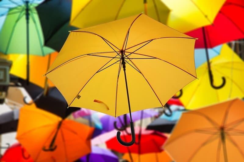 Как постирать зонтик дома
