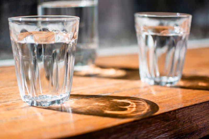 Сколько воды в стакане мл и г