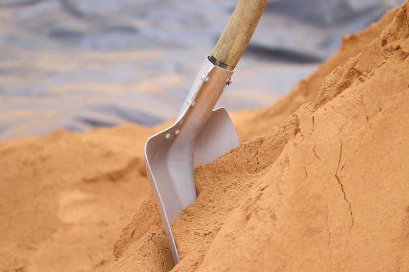 Сколько килограмм песка в мешке